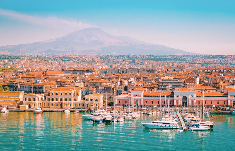 Live-in Nanny Needed in Connecticut and Italy