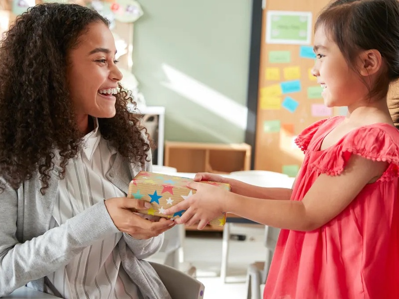 5 Ways to Celebrate Your Nanny During Nanny Recognition Week